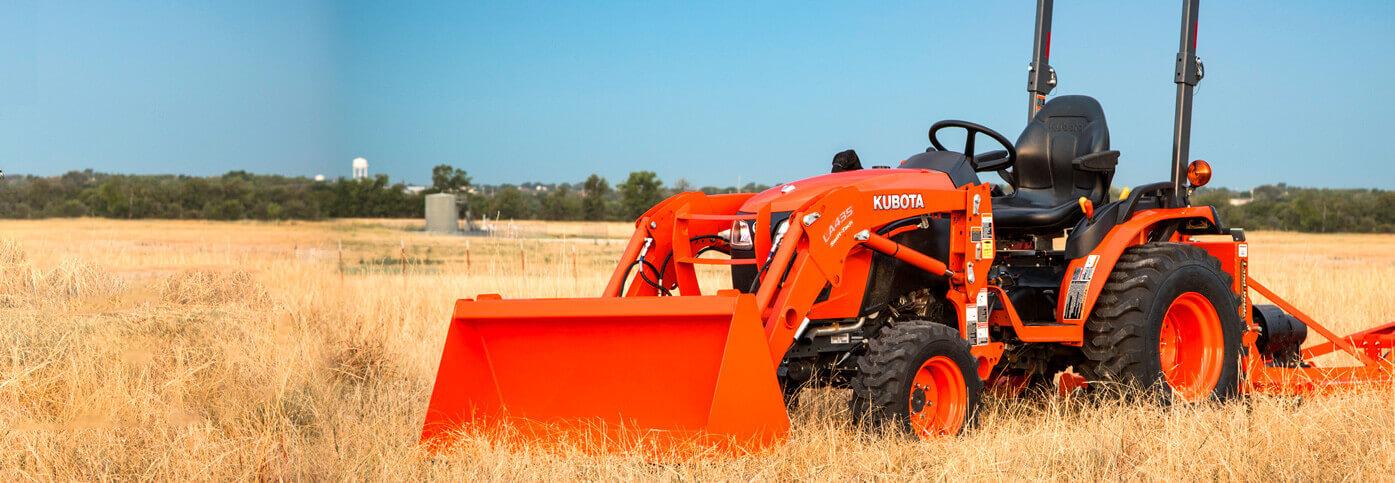 LA435 tractor